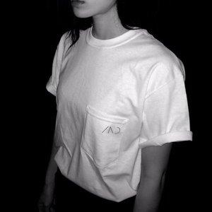 【雨のパレード】ポケットTシャツ